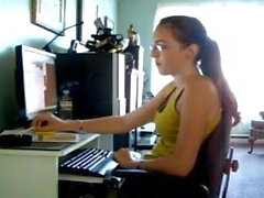 Elizabeth Douglas 18-vuotias oppii tupakoimaan Virginia Slims