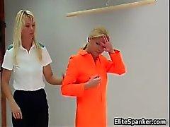 Blond in oranje tapijt muncher slapping part1