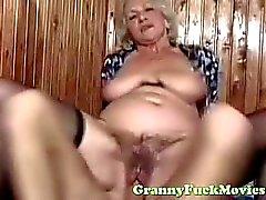 kerel neukt sexy euro granny
