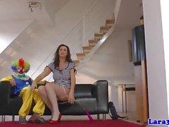 Britische glam reifen Schwanzlutschen Glück Clown