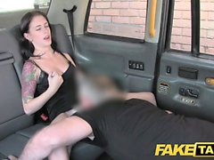 Fake Taxi Innocent amerikkalainen nainen saa ass perseestä