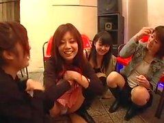 Cfnm japonais Regarder