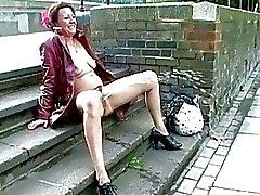 Upskirt masturbação pública e flash ao ar livre nu