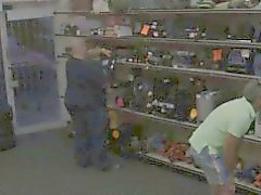 Карли вошли в мой магазин пытаетесь продать старые книги