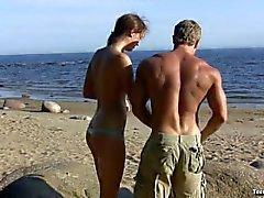 Vlaska fare sesso in spiaggia