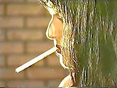 Couro luvas Tortura Fumar Brunette Dominatrix Up-Close