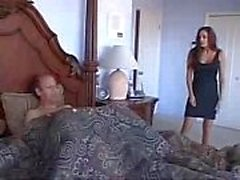 Anne En Büyük Oğlunu Yatağında Mastürbasyon Ettiğinde Yakalandı