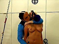 Soumis de BDSM des rapports sexuels avec pute du bas
