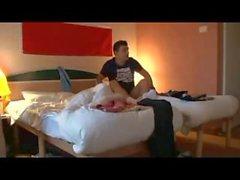 Bir hosteli odayı paylaşan 2 yolculuk arkadaşları
