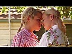 Uro lesbo australian