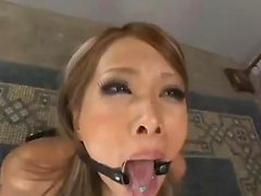 Japanese babe toying cunt
