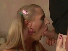 TS Juliette Stray cums in her own face
