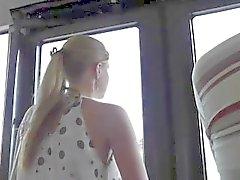 Шпионаж о горячей девушки на автобусной