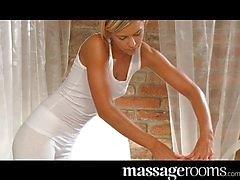 Galo loira do cliente massagens adolescente com buceta
