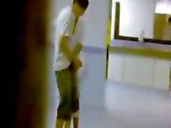 spycam in openbare toiletten