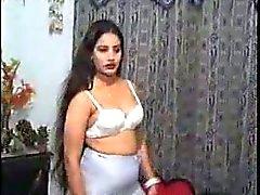 indische Bardame