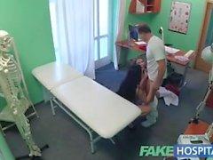 Fake Sairaala Lucky lääkäri on kuuma kolmikko seksikäs Tšekin Babes