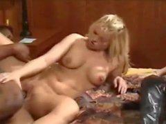 Секс втроем Секс из Бельгии