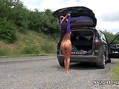 Desnudo el camino de la montaña