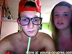 Americana boquete casal no dormitório da faculdade