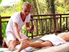 Ryska twinks footjob och massage