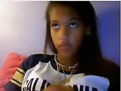 adolescente negra a quente em câmara