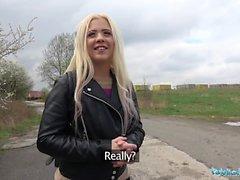 Julkinen agentti Outdoor sex venäläisellä teini-ikäisellä