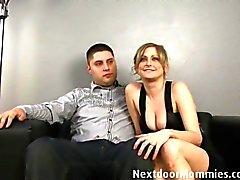 Guy vill hans fru påsatt av en svart kuk