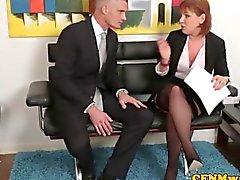 Domination féminine humiliations A coups Stephanie