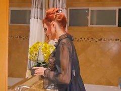 Uhkea punapää äiti imee kullia ja nussii lähetyssaarnaaja tyyli POV