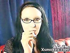 Ferina explícito fumadores adolescente de Makeout explícita de