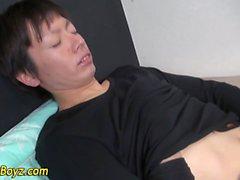 Spasmi di sperma Asia bagnato fradicio