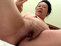 Japanese BBW Nonnina a Shino Moriyama di 66 anni di età H - 09:30