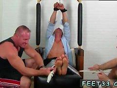 Images de gay renflement fétiche Gordon Bound & Tickle d