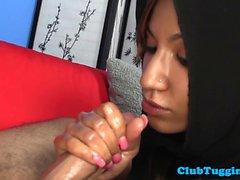 Árabe bebé hijabi sacudidas polla palpitante duro