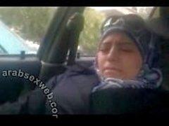 Soave araba nella di Hijab masturbano - asw960