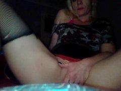 Solo slut MILF dando uno show sexy masturbazione caldo