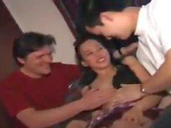 STP7 Filipino Teen disfruta de su atención sin dividir!