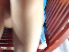 Fullständiga upskirt vietnamesisk frun samtidigt med mjöl