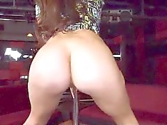 Ass Pole Dans Fullt HD-video i Beskrivning