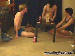 Jeune garçon néerlandais porno gay Ceci est une longue vidéo pour vous types de voyeur qui