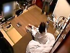 Linda esposa japonesa es filmado en cámara oculta desvestirla h