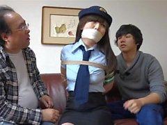 Detective japonés atado