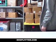 ShopLyfter - Guy est dominé par LP Officer