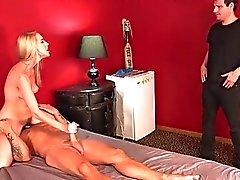 Hoad Blonde frun samt Sissy Maken Andel a stora feta