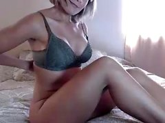 amateur nicollcherry flashing boobs on live webcam