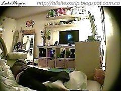 teen kuulu masturbating makuuhuoneeseen (piilotettu nokan - peepholecam 111,312 tuhatta )