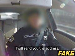 Fake Cop Pukusuojatut poliisit tekevät hänet myöhään