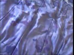 kitty kat - valu sohvalla
