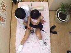 meninas orientais encantadoras são feitas para chegar ao seu clímax por